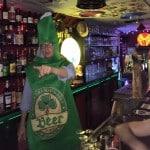 Anniversaire insolite Paris barman à la place du barman