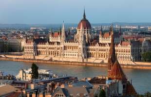 parlement budapest evg evjf budapest insolite