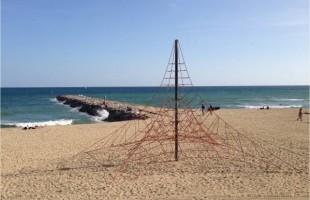 toile d'araignée plage barcelone